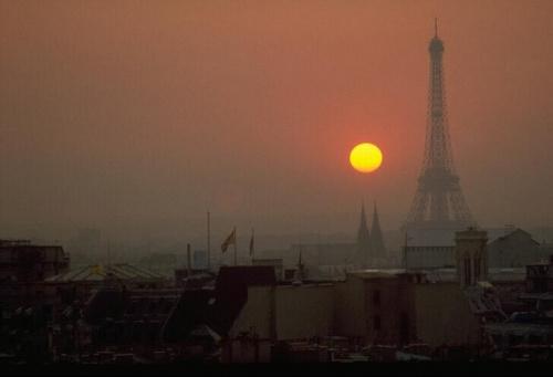 zachód słońca w paryzu:D akurat tam mnie jeszcze nie było:P