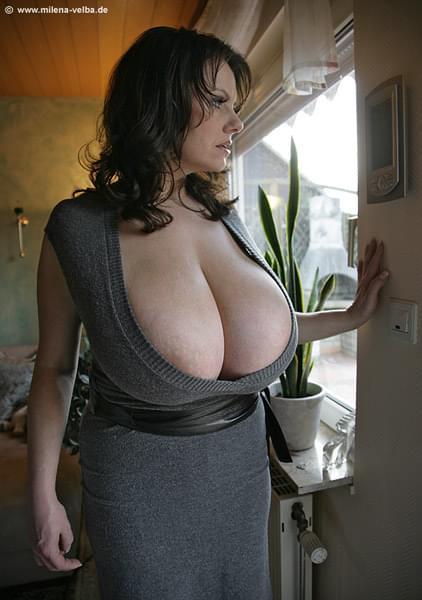 большие сиськи взрослых женщин видео