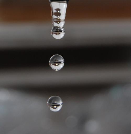 Na poczatku lecialy wodne kropelki ,a za chwile juz porcelanoewe!:))