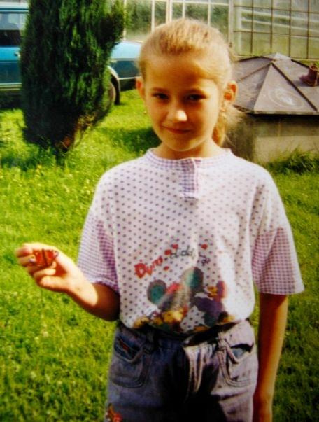 zawsze lubiłam motylki :D Łódź - motylek niestety podtruty chemią w szklarni nie przeżył ;(
