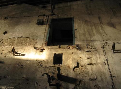 #drzwi #mur #StaryBudynek #OpuszczonyBudynek