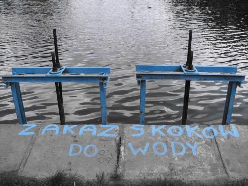 niebieski zakaz #Łódź #Lodz #Młynek #woda #tama #zakaz