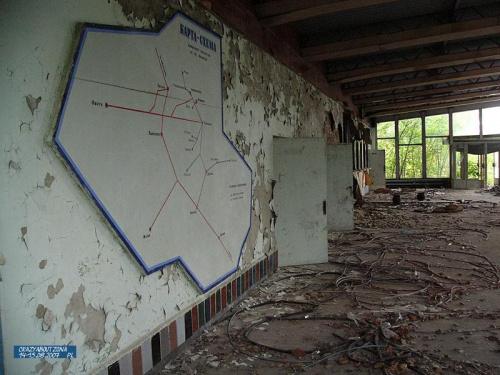 Mapa dojazdu autobusów jest w nienaruszonym stanie, niezapomniane wrażenie.. #zona #chernobyl #czarnobyl #pripyat #prypec #pks #opuszczone #promieniowanie #katastrofa